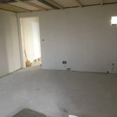 Innenausbau Betonboden vor Dämmarbeiten