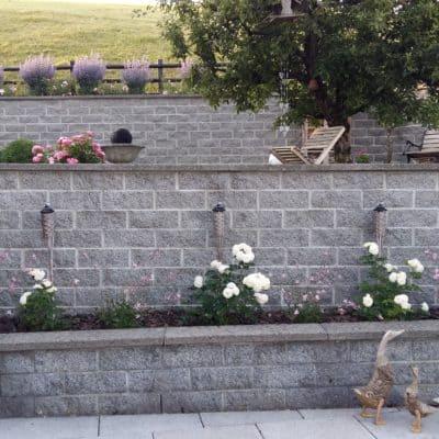 Mauerwerk Terrassierung mit Mauer