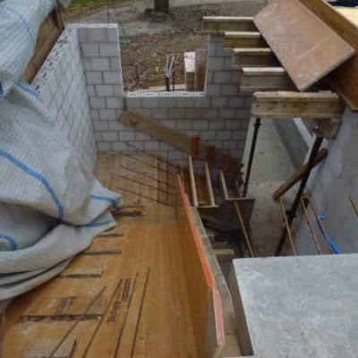 Anbau Treppenhaus Schalung mit Armierung